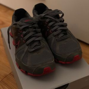 Women's Nike Shox Size 6.5